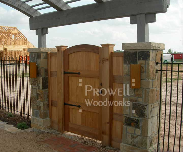 photo of a housing development with wood gate 29 in Houston, Texas