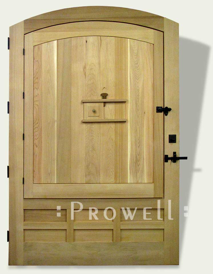privacy wood gate with speakeasy peephole