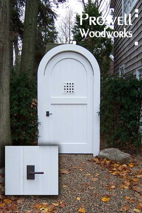 wood garden gate with bronze latch E304