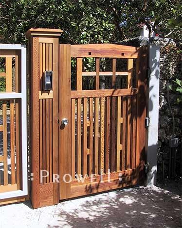 custom wood driveway gates 16 in Florida