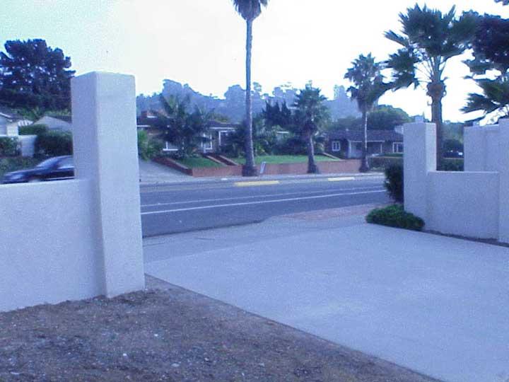 driveway gates with stucco columns