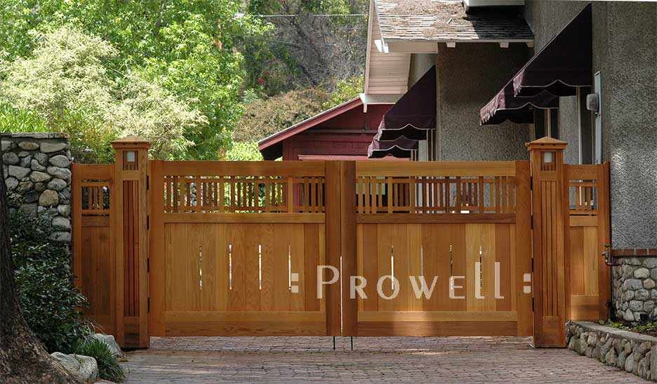 arts and crafts driveway gates in Pasadena. prowell