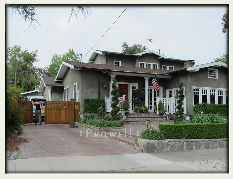 custom wood driveway gates in Los Angeles, CA