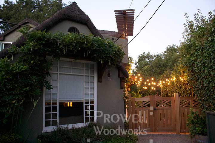 colonial wooden fence Panels in San Francisco Bay Area