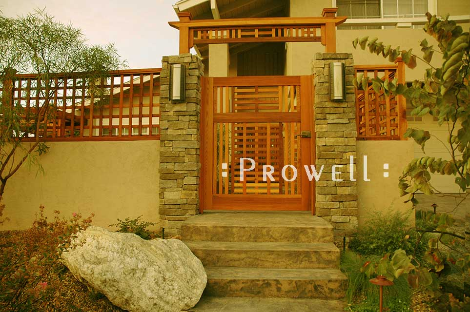 site photograph showing wooden gate designs #10 in San Diego, california