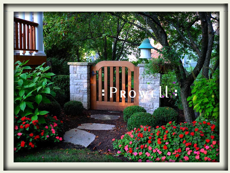 site photograph showing the Tuscany style of gate #105 in Chicago, Illinois