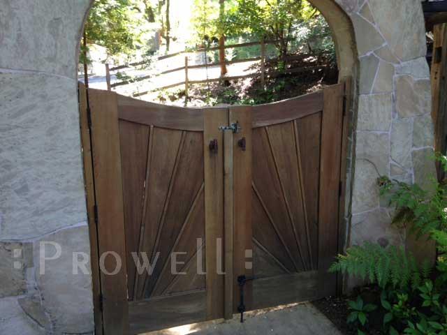 custom wood garden gate #107 in Marin County