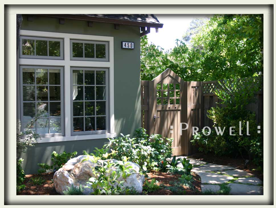 site photo of wooden side gates #109 i Palo Alto, California
