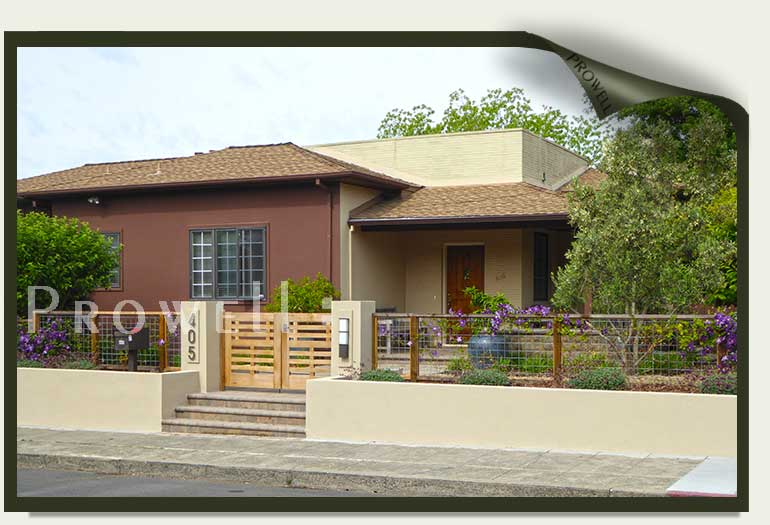 site photograph showing the custom wood gates #114-3 in sonoma, california
