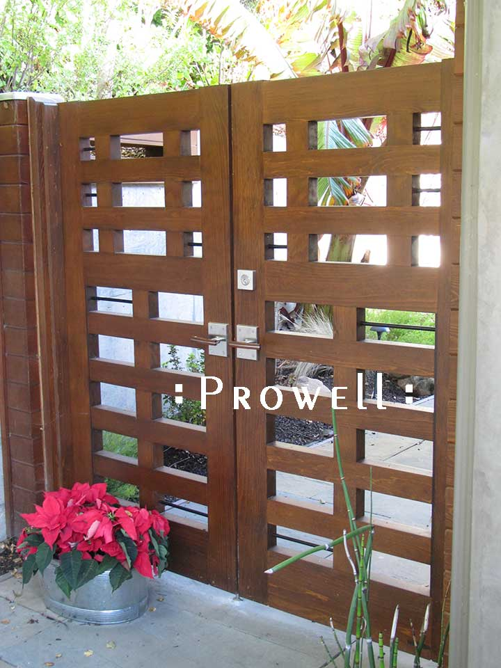 site photograph showing the wooden gates #114 in Tiburon, CaliforniaGarden Gates Wooden #114 in Tiburon, CA