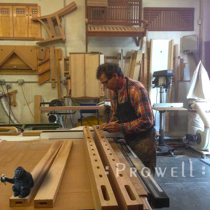 shop photo on how to build a woo gate.