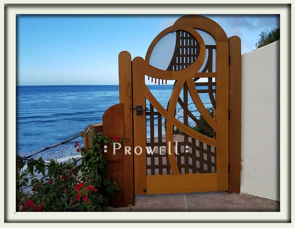 site photograph of the abstract gate design #200A, in Santa Barbara