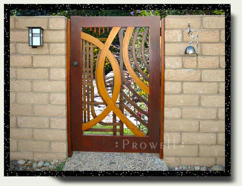 site photograph showing the abstract designer gates #200 in southern California
