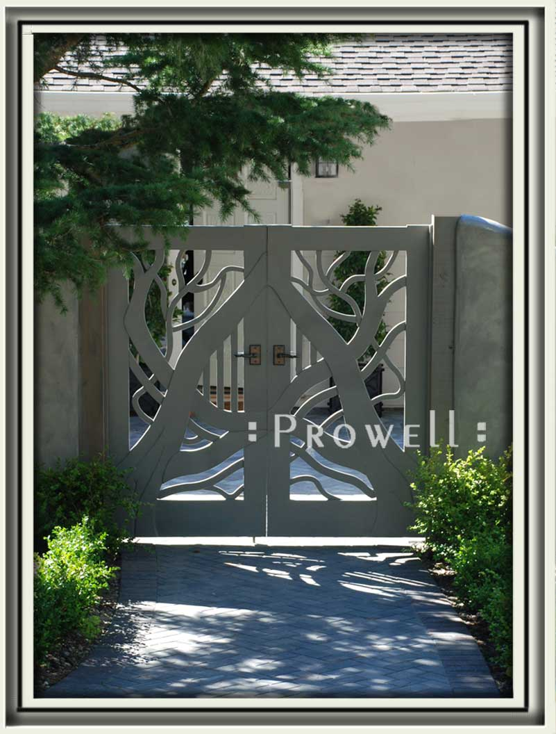 site photograph showing the unusual wood gates #204 in Pebble Beach, California
