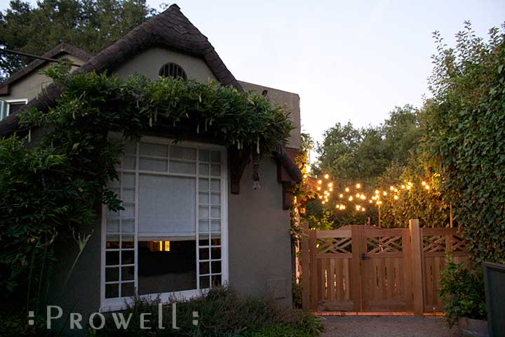 Image of colonial wood gates in palo alto, california