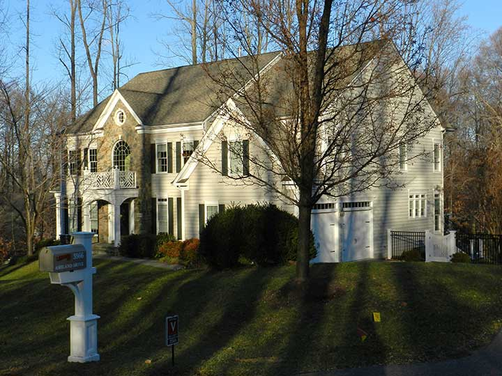 showing a photo of the house and gate design #25 in Maryland
