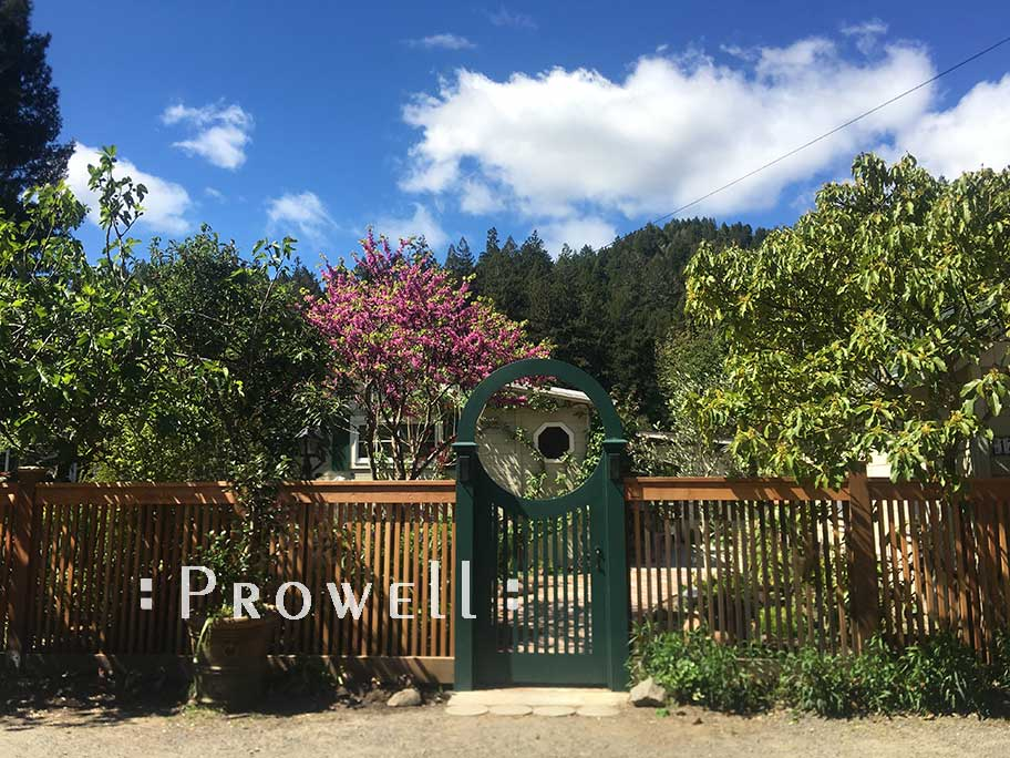 Another site photo facing the Russian River residence in sonoma county, calfornia with gate 25-6