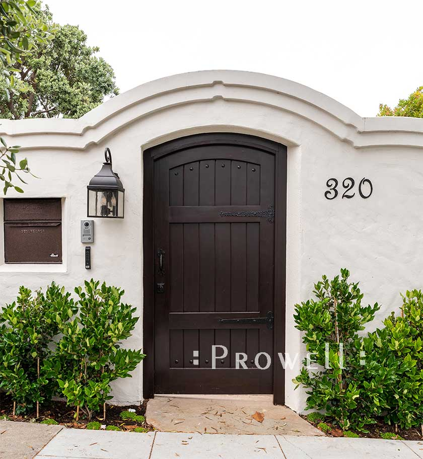 site photograph showing privacy gate #29-19 in San Francisco. prowell
