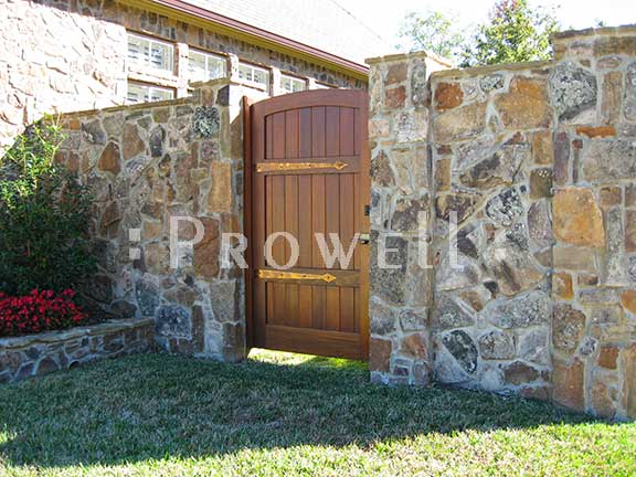 photograph showing the entry privacy gate #29-6 in Tyler, Texas