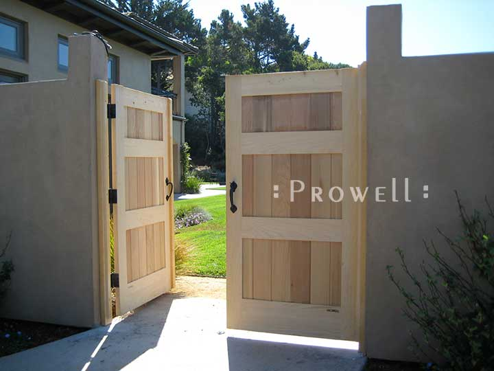 site photograph showing double orivacy gates in Tiburon, California