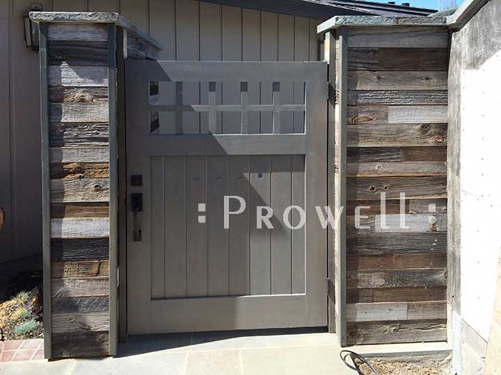 site photograph showing craftsman wood gate in Silicone Valley California
