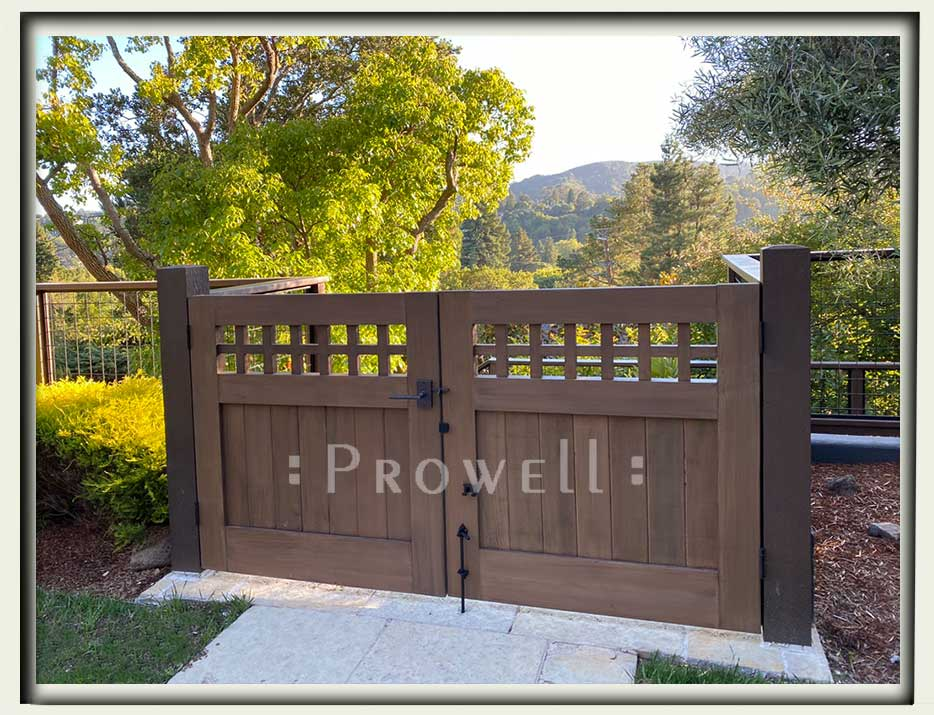 site photograph with Craftsman wood gate #4-17 in Marin County, California