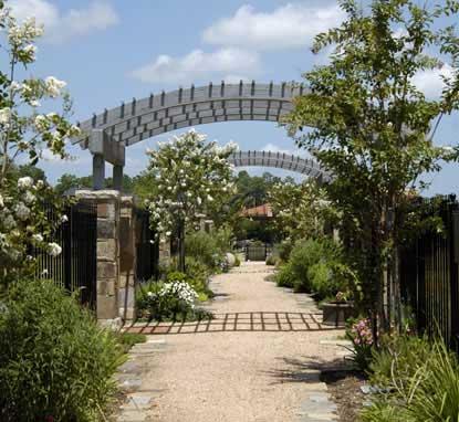 Outdoor Gates, Woodland Park in Houston