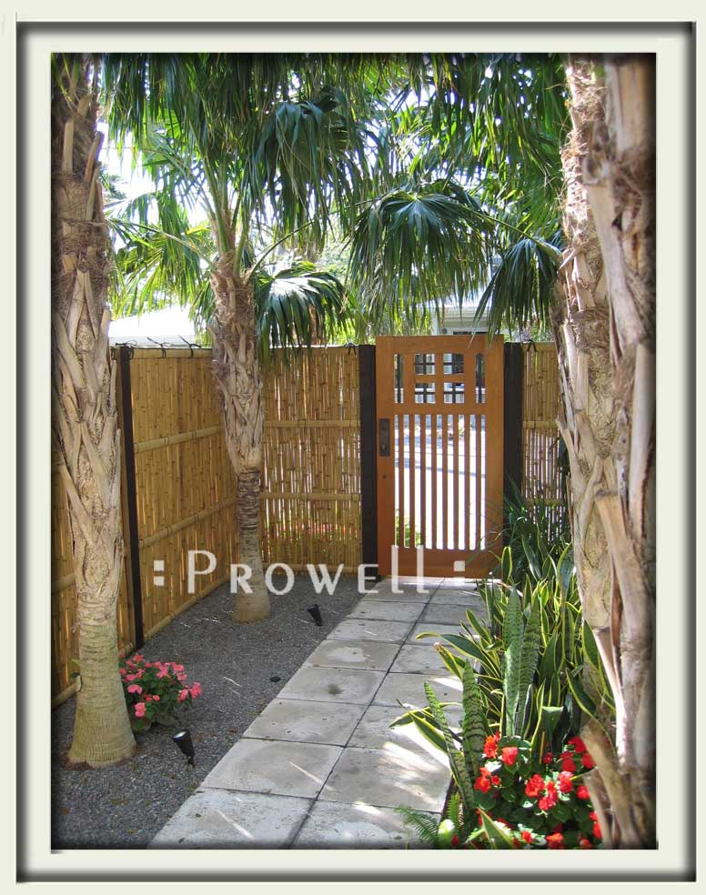 photograph on the gate design #52-2 in Key West, Florida