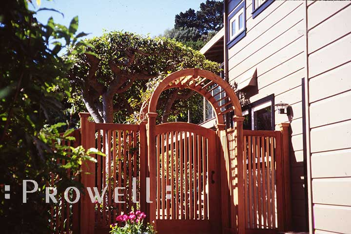 site photo in Sausalito, california of wood picket gate #57-2