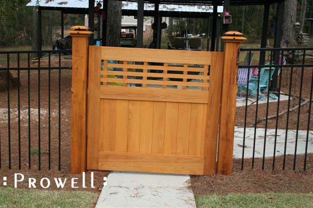 site photo show how not to hang a wooden gate