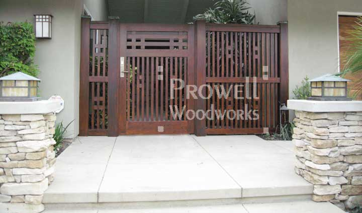 site photograph showing gate wooden in Santa Anna, CA