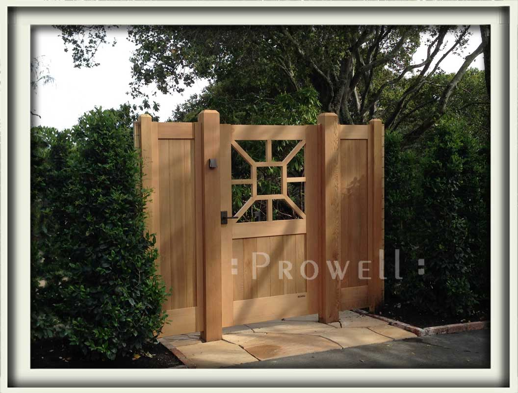 site photo showing colonial gate 74 in marin county, californiaColonial Wood Gate #74. prowell