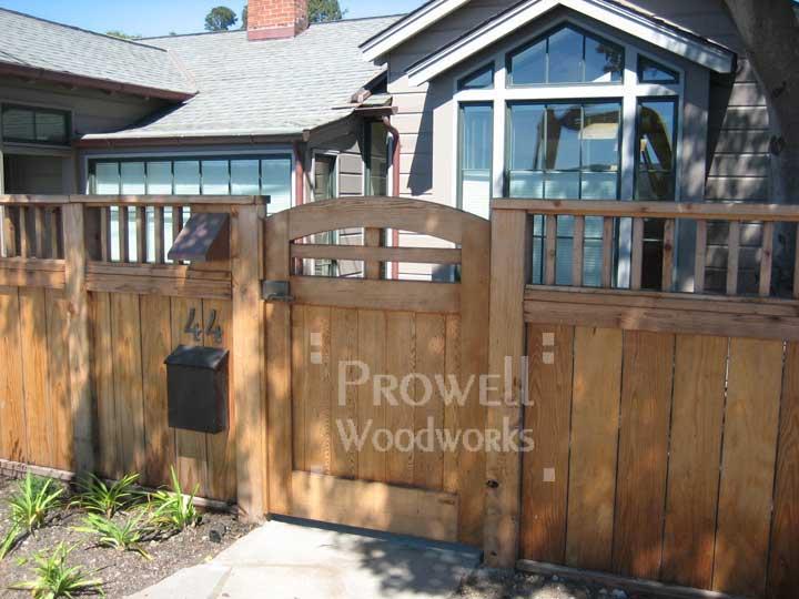 on-site photo showing wood gate #84-1 in Tiburon, California