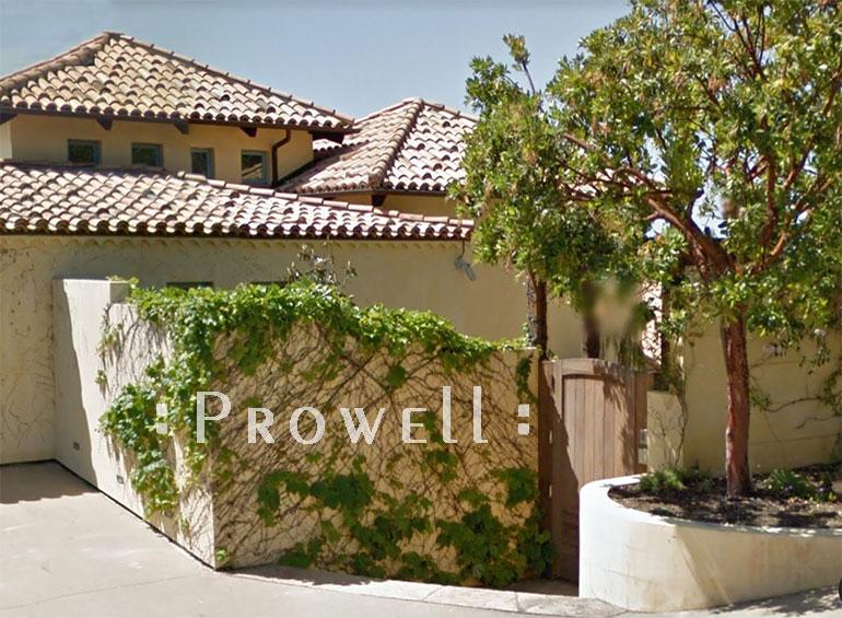 solid privacy wood gate #89-7 in Malibu, CA. prowell