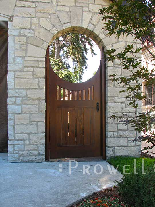 Curved top wooden gates #8 in Chicago