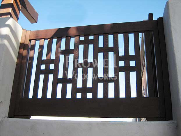 site photograph showing the Pony Panel wall insert #3