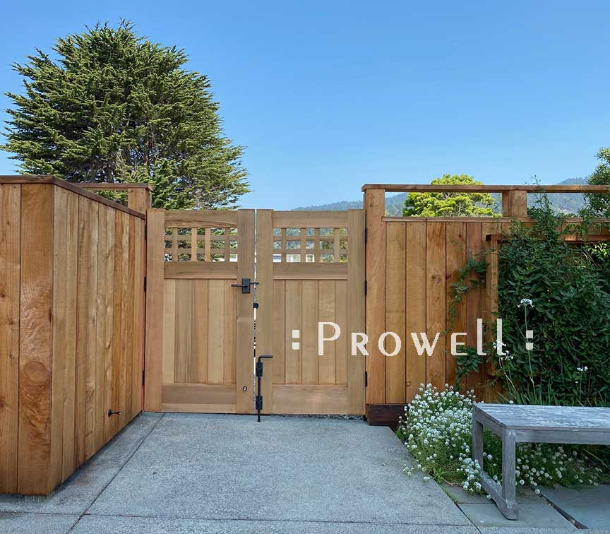 site photograph showing double wood gate #98-6 in Stinson Beach, California