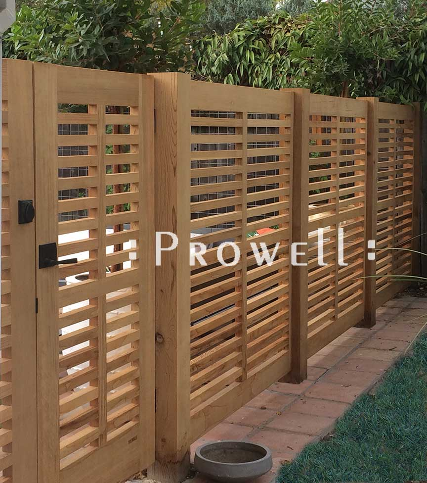 Close-up site photograph showing the horizontal wood gate dividers aligning to the fence in Sonoma, Caifornia