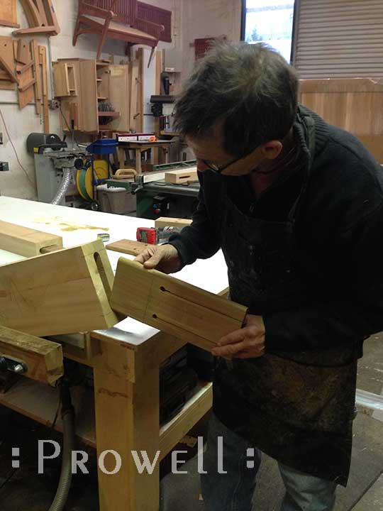 How to build wood gates, from Prowell