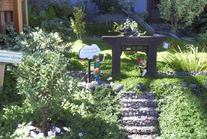 Contributor's Garden oo