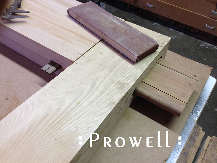 Prowell builds a wood gate with wood joinery