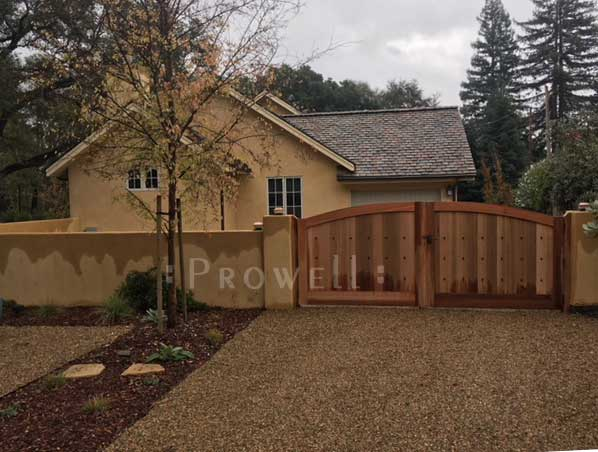 site photograph showing the wood privacy security driveway gate #8 in Napa County, california
