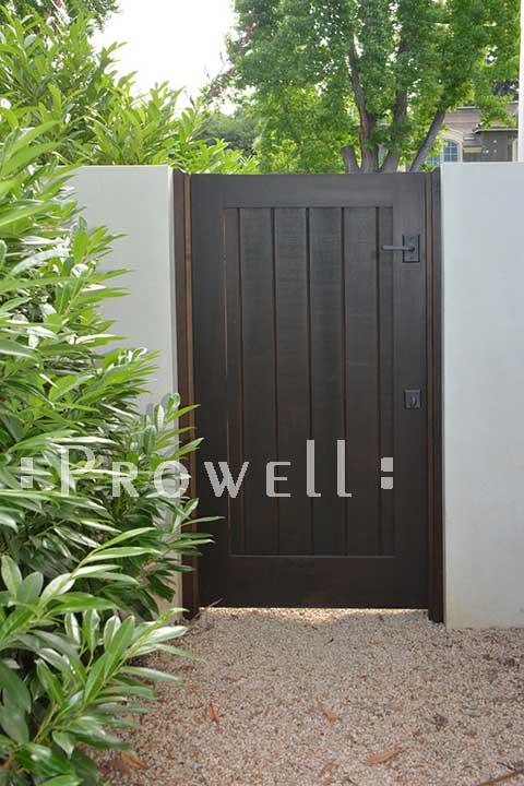 site photo showing privacy fence gate 72-5b in palo alto, california